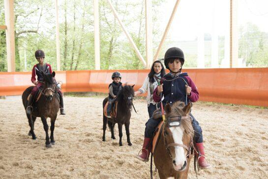 Cours de poney 6-9 ans